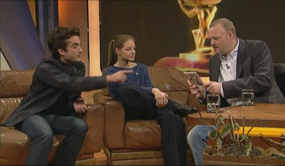 Oliver Wnuk stellt bei TV-Total mit Yvonne Catterfeld Paddy vor